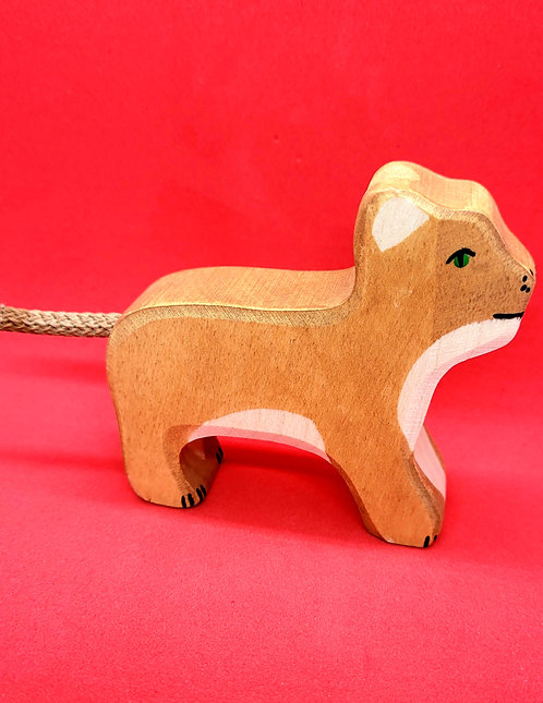 Holztiger 80141 - Lion, small, standing