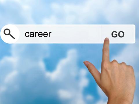 Por que é essencial ter uma Carta, um CV e um Perfil no LinkedIn para buscar vagas na Europa?