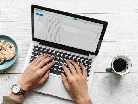 Como escrever um e-mail profissional e encantar recrutadores em 10 passos