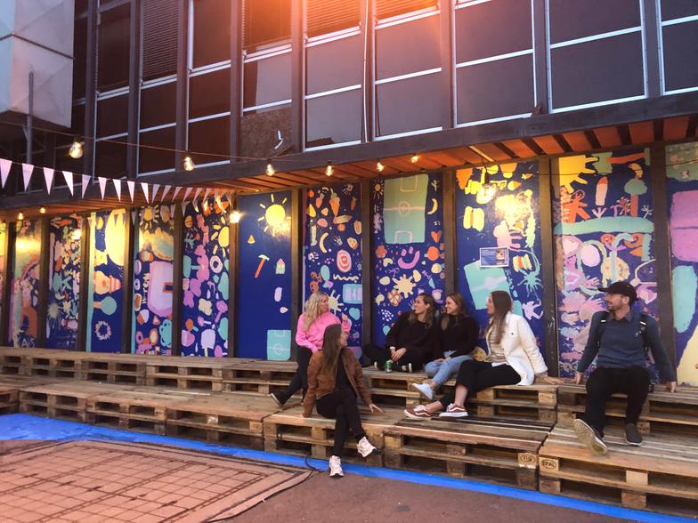 Midlertidig design og gategalleri ved 'Venterommet' på Økern