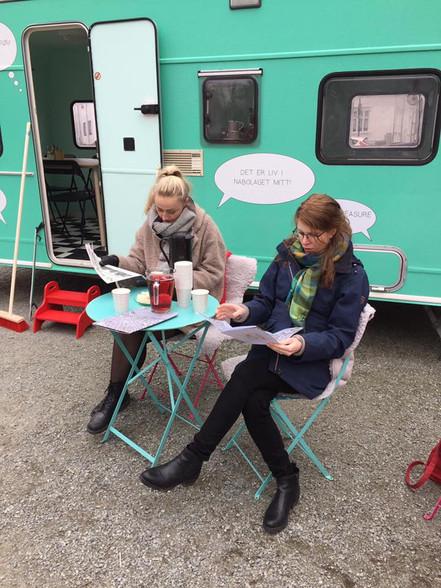 Det rullende idéverksted. Pop-up kontor i campingvognen i forbindelse med levekårsløft på Storhaug i Stavanger