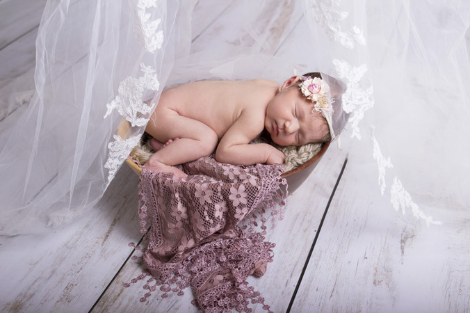 029 Seven_Oaks_Photography_Posed_Newborn