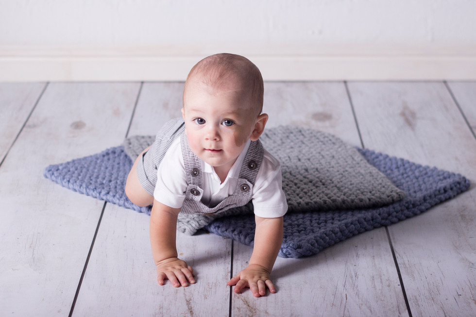 033 Seven_Oaks_Photography_Sitter_Sessio