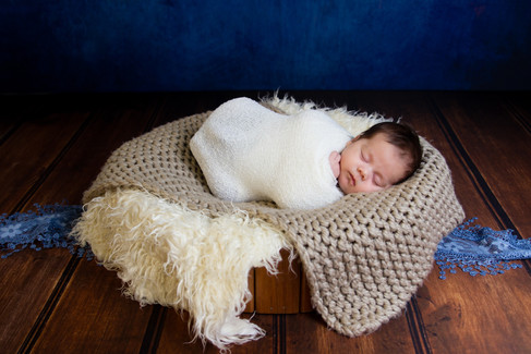 001 Seven_Oaks_Photography_Posed_Newborn