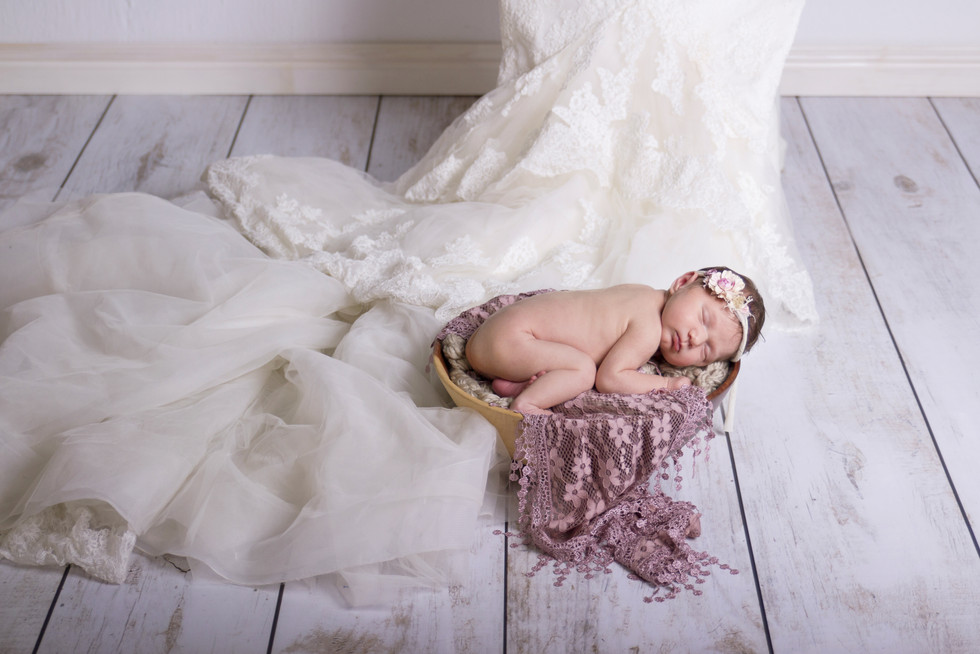 032 Seven_Oaks_Photography_Posed_Newborn