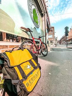 Beefast : coursier à vélo Amienois