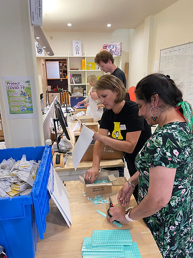 Nanogirl volunteers pack science kits for Manaiakalani programme