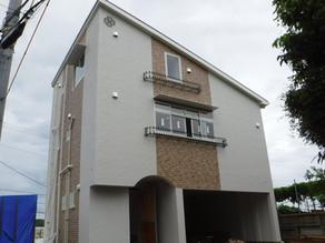 印象的な屋根造りの家