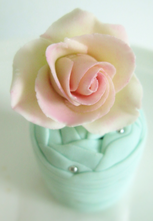 Wedding Petit Cakes in Pink & Aqua