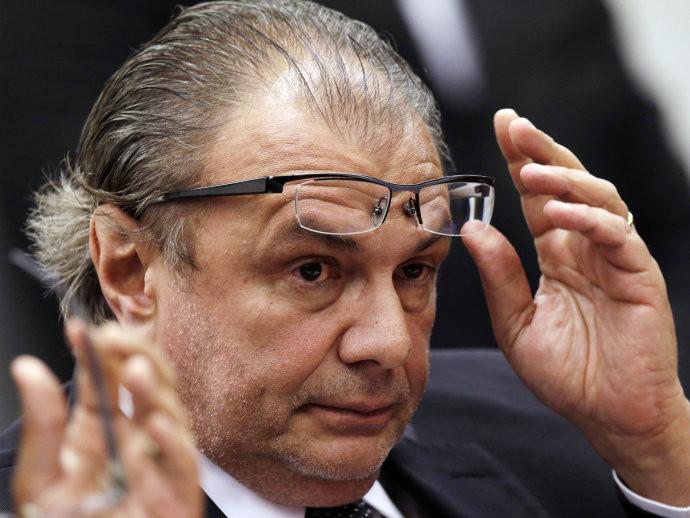 EX-GERENTE DA PETROBRAS, PEDRO BARUSCO, DURANTE CPI (REPRODUÇÃO: FOLHA DE S.PAULO)