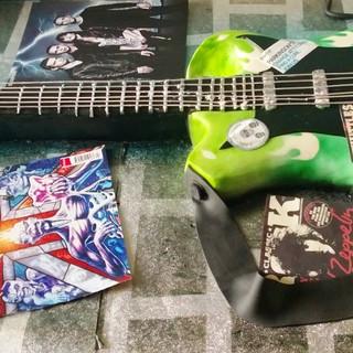 Whittles Charrity Guitar 1.jpg