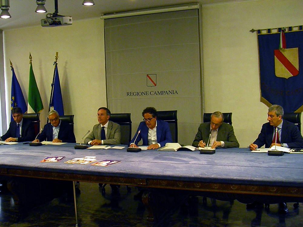 2015-Conferenza-Stampa-Napoli.jpg