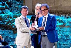 Premiazione con il campanile d'argento a Luigi Vicinanza
