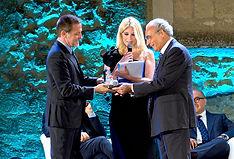 Premiazione con il campanile d'argento a Massimo Giannini