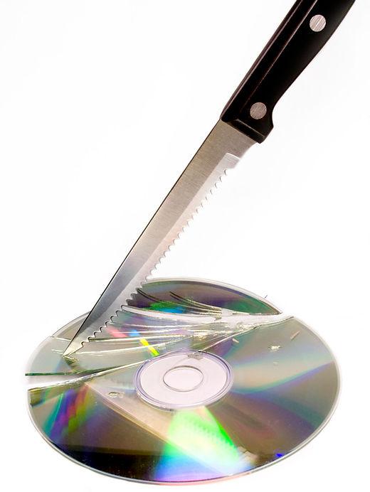 Broken-cd.jpg