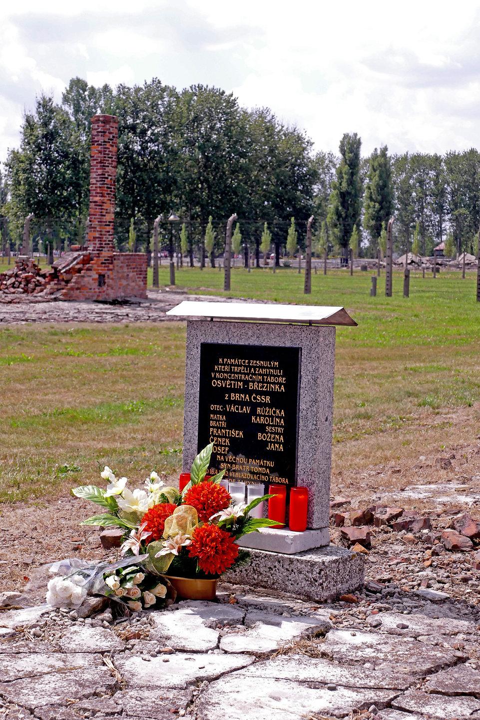 Auschwitz53.jpg