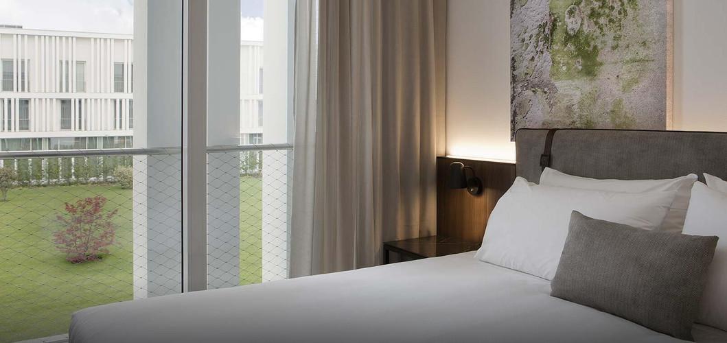 J HOTEL (7).jpg