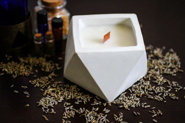 white tea ginger triangle cement candle