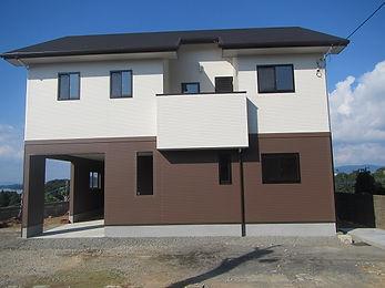 インナーガレージ付き二世帯住宅