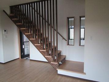 スケルトンタイプのデザイン階段