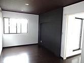 新築 寝室 飾り壁