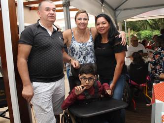 Abdias ganhou uma cadeira de rodas da FBT mais rápido do que esperava