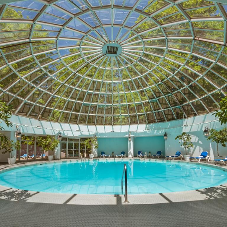 Luxury-Swimming-Pool.jpg