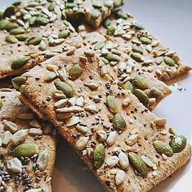 Homemade spelt seeded crackers! So easy,