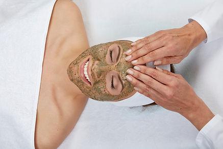 Green Peel Kräuterschälkur Kosmetikstudio Elina-dr-schrammek-kosmetik-Twistetal-Korbach-Waldeck-Frankenberg-Arolsen