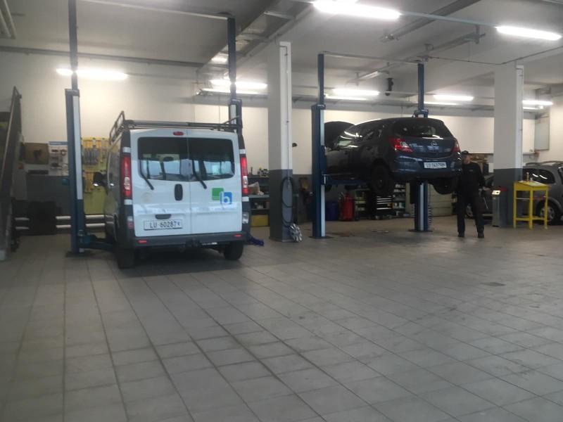 Garage Waldhaus 4