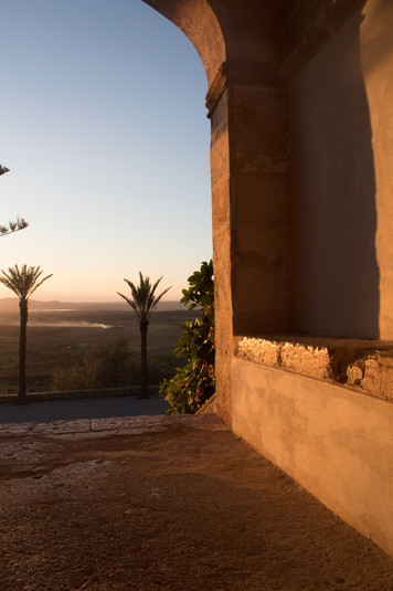 Monti-Sion, Sunrise