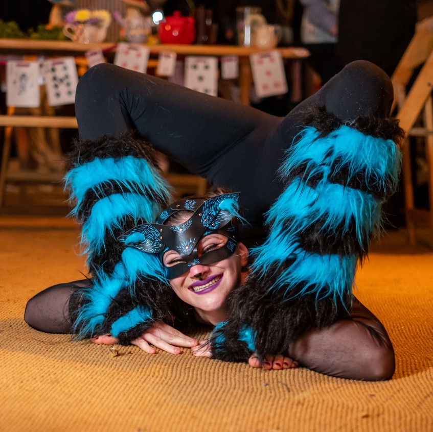 The Cheshire Cat contortionist