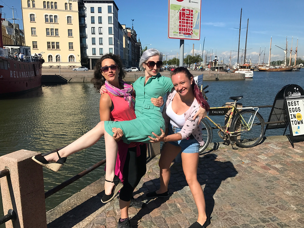 We bumped into fellow female magician Romany in Helsinki! Girl power! love these ladies!
