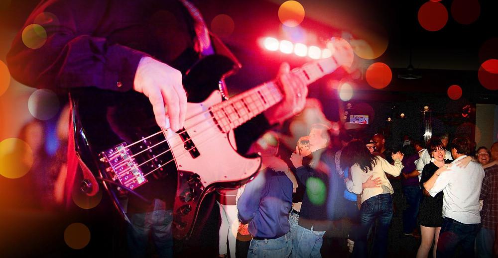 tonys-homepage-slides_live-music.jpg