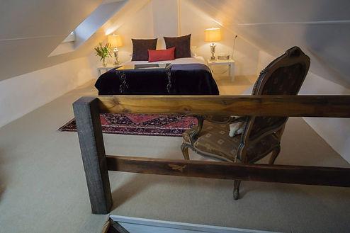 Courtbarn_bedroom.jpeg