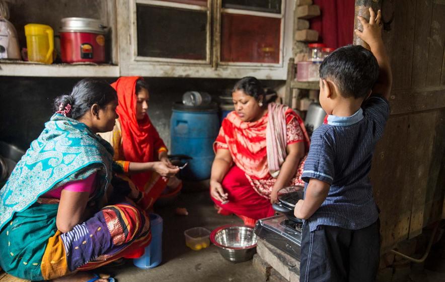 Bangladesh-portrait-cooking-lesson.jpg