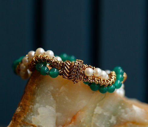 18K Gold Bracelet with Jade Stones and Pearls - Real Vintage