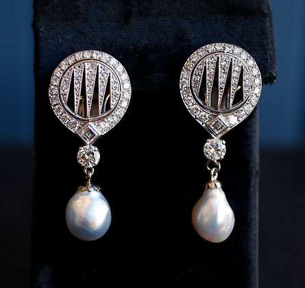 14K Gold  Diamonds Earrings with Grey Pearls