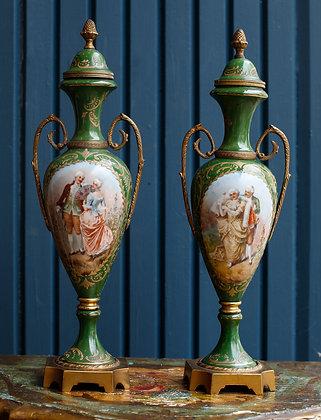 Pair of urns  Porcelain