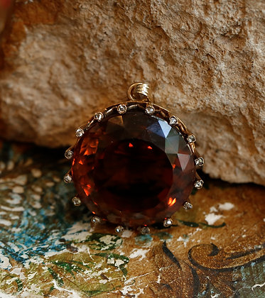 14K Gold Pendant Ping with Large Topaz and Diamonds