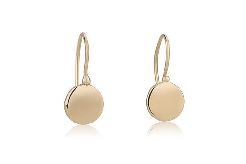 The SIGNET Round Circle Earrings, a classy look for everyday.The earrings were made to wear for a lifetime.