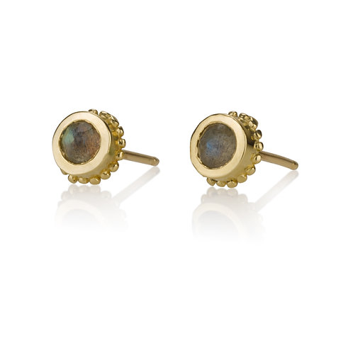 Gold Balls Emeraldstud earrings are handmade especialy for you.Each pair of Gold Balls Emeraldstud earrings arehandmade.