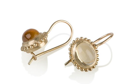 TheDotted Oval Citrine Earrings, a chic look for everyday.The earrings were made to wear for a lifetime.