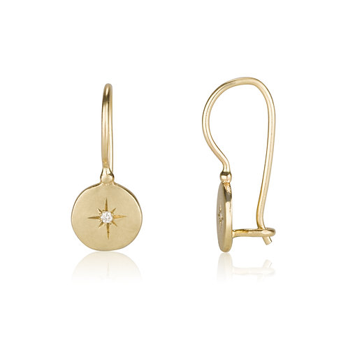 The SIGNET Round Circle Earrings Set With Diamonds, a classy look for everyday.The earrings were made to wear for a lifetime.