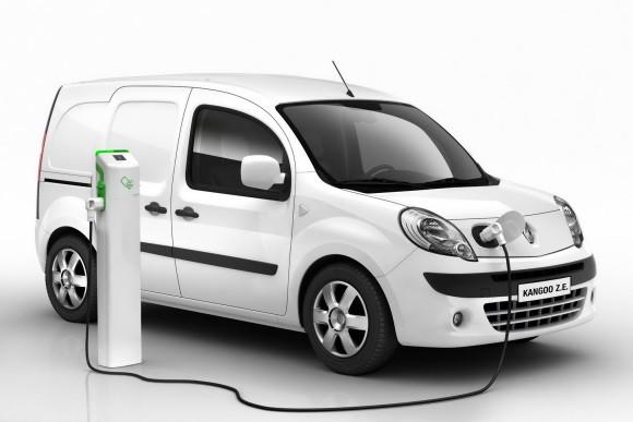 CPM Industries s'équipe d'un véhicule électrique.  Nos livraisons sont désormais assurées par un véhicule 100% électrique qui n'émet aucunes particules de carbone.