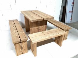Table à manger + bancs pour terrasse.