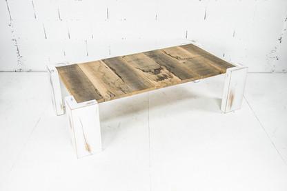 Table basse vieux bois et blanc.