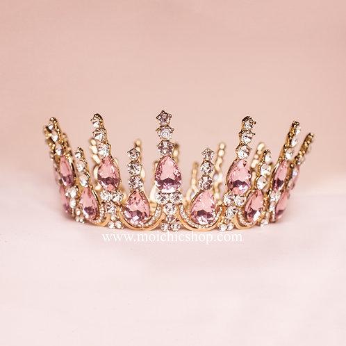Corona dorada piedras rosas TXV041