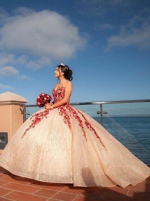 Vestido XV glitter rose gold con rojo