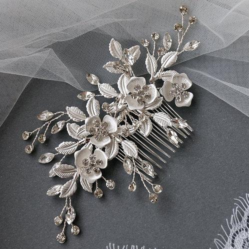 Tocado flores plata